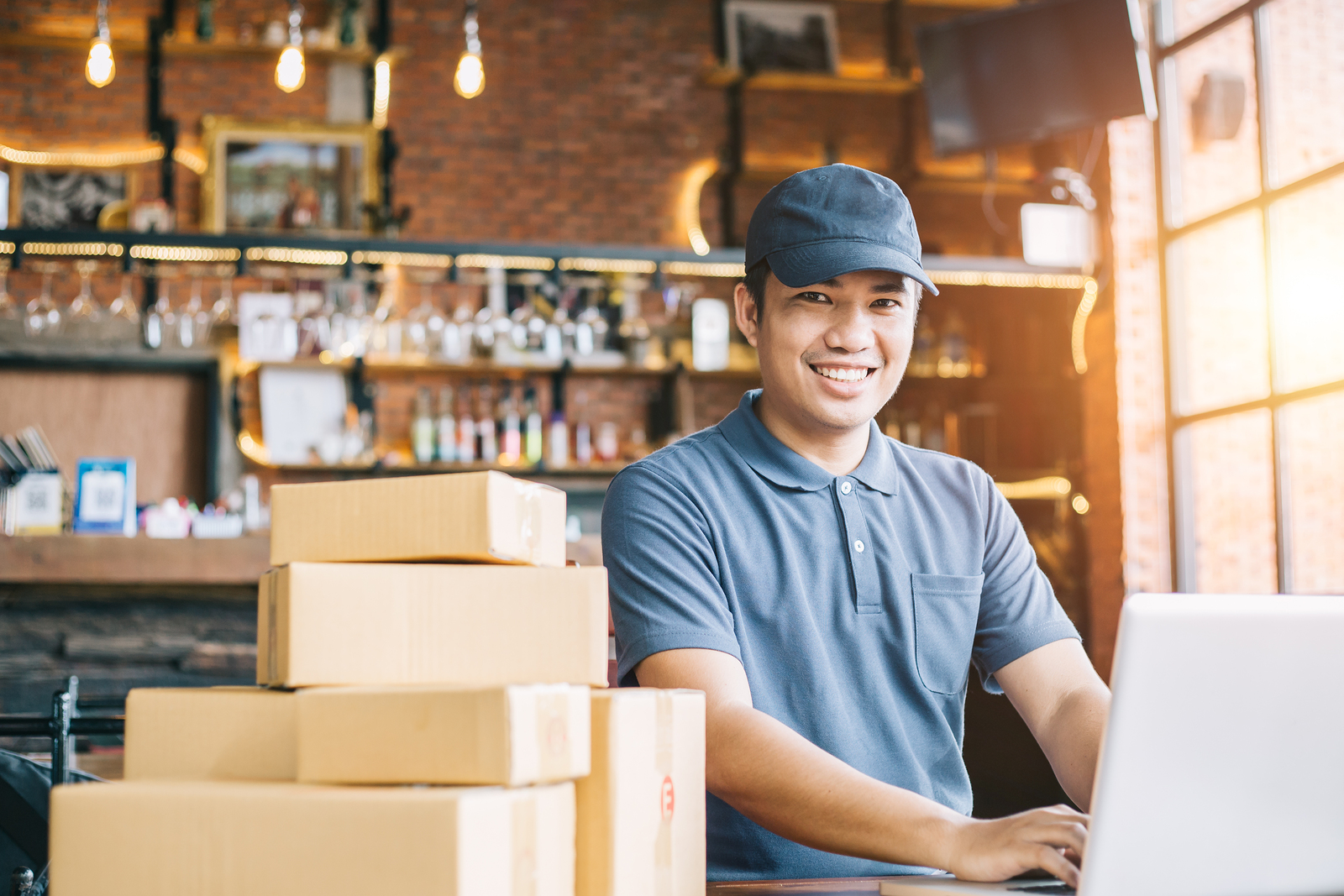 Free multi-user and multi-carrier shipping shipping software.